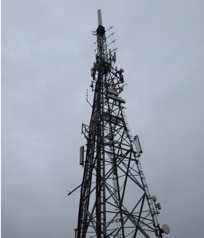 An image of a mast known as Saddleworth tower